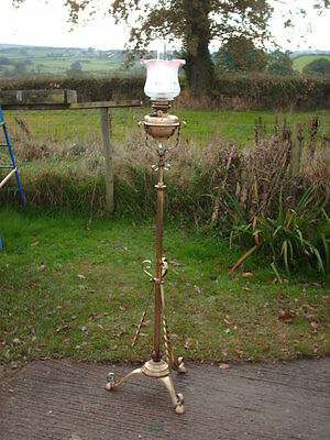 Antique Brass Telescopic Standard  Oil  Lamp