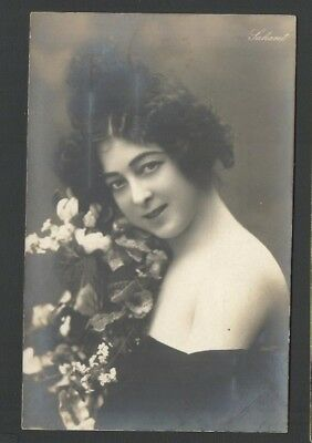 Laharet Postcard Lady / Girl with Floral Bouquet