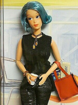 1 Modern Circle Melody Vintage Steffie Face Blue Hair Amazing Detail & Fashion