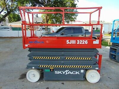 Skyjack Sj-3226 Electric Scissor Lift - 32 Ft Working Height - 2019 Batteries