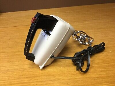Vintage Westinghouse Electric Handmixer PM-561 w/Beaters - Working