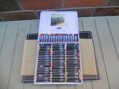51 artists coloured pastels