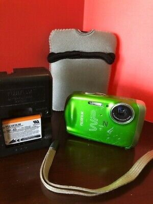 FUJIFILM FinePix Z Camera with case and Charger