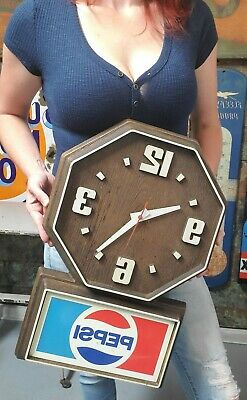 Vintage 1980's Pepsi Faux Wood Plastic Clock Working Pepsi Cola Sign