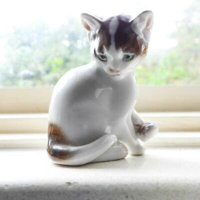 Rosenthal Germany Fine Porcelain Hand Painted Cat Figurine C.1950's