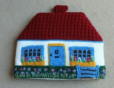 'Knitted Cottage' Tea Cosy