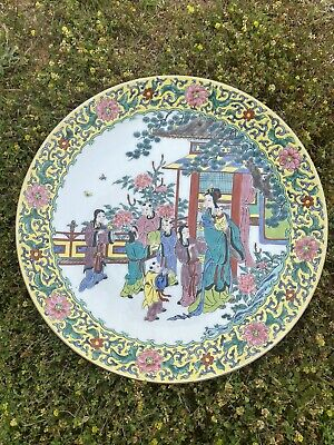 Nice vintage Chinese Porcelain Familie Rose high quality Figures Plates