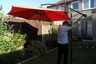 Parasol 3M freestanding banana hanging cantilever. 2 weights included.
