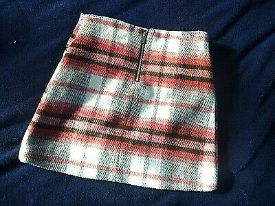 Girls Gorgeous River Island cosy skirt age 8yrs VGC
