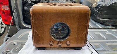 Antique Zenith cube radio model 5J-217. Never plugged in. Buyer pays shipping