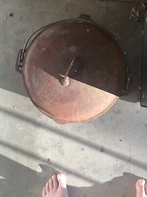 Vintage Cast Iron Dutch Oven Made In Usa No.10 12 5/8 Inch No Brand Rusty!