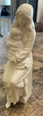 Goebel Figurine of a Mother and Child Contentment 1988 Irene Spencer #391/2500