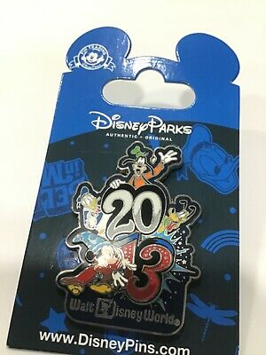 walt disney world trading pin  2013 dated vintage souvenir new Mickey Mouse