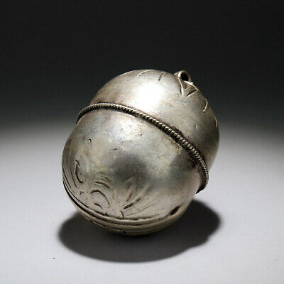 Collectable China Old Miao Silver Hand-Carve Bloomy Flower Delicate Bell Pendant