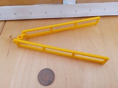 3 fixing clips Clips grass bed Playmobil New Sp 5939 Two Zoo Fence Sections