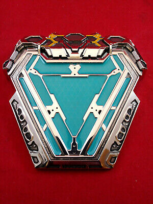 Iron Man Magnetic Arc Reactor Pin [Marvel Avengers Infinity War Issue/ Preowned]
