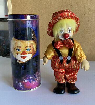 """NIP LUCY/'S Hand Crafted SHELF SITTING CLOWN DOLL /& HOUSING TIN~17/""""~Pottery Face"""