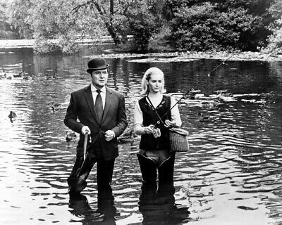 The Avengers TV on set 8x10 photo Diana Rigg Patrick Macnee with Rolls Royce