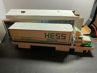 VINTAGE 1987 Hess 18 Wheeler Tractor Trailer Toy Bank Truck   Mint IN BOX!