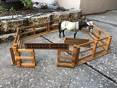 Vintage Breyer Horse Traditional Accessory Western Stable Wood Corral Barn Set