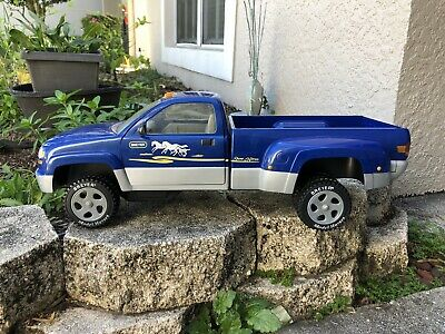 Retired Breyer Horse Traditional Accessory #2488 Dually Pickup Truck Blue