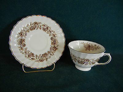 Royal Doulton Brown Mayfair H4905 Cup and Saucer Set(s)