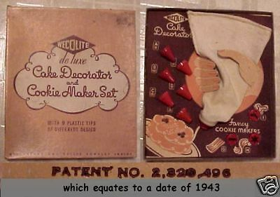Vintage 1943 Boxed  Wec-O-Lite Dedluxe Cake/Cookie Decorator Set ~ COMPLETE