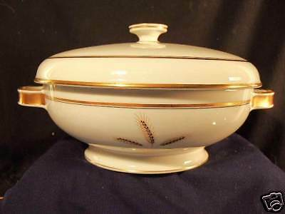 """Covered Vegetable serving bowl 10"""" wh w Wheat Rosenthal"""
