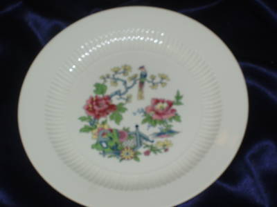 Royal China Sapphire Dinner Plate Bird In Tree Fluted