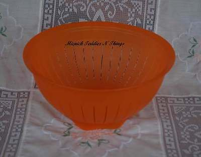 Tupperware Impressions Alfresco Orange  Colander