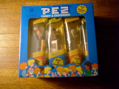 Pez 12 Pack Counter Display, #252 New Looney Tunes