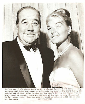 JOAN TABOR & BRODERICK CRAWFORD - Agency Photo w/capt.