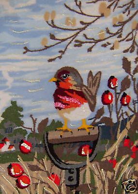Webster Craft Punch Needle Embroidery Robin Redbreast kit with yarns