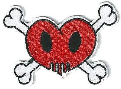 Ecusson patch patche Love Skull coeur thermocollant hotfix brodé