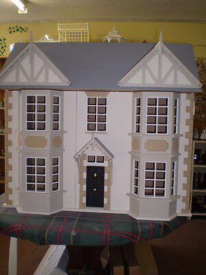 1/12th scale Victorian Dolls House-The Cedars