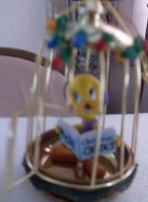 "TWEETY BIRD ""THERE WEALLY IS A SANTA""  BRADFORD EDITIONS HOME FOR THE HOLIDAYS"
