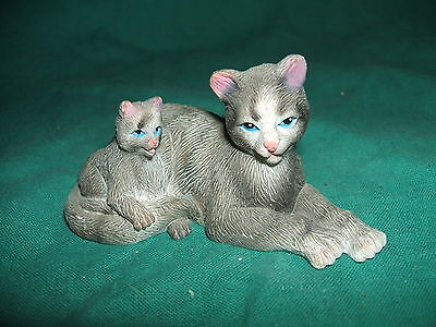 Polyresin Gray Cat and Her Kitten