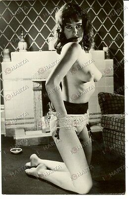 1955 EROTICA VINTAGE Naked lady on the floor with candles and wine *REAL PHOTO