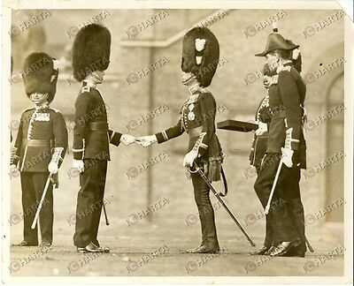 1935 LONDON (UK) Prince of Wales con guardie inglesi durante parata S.DAVID day
