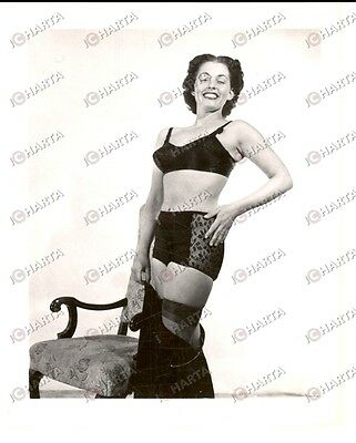 1965 ca EROTICA VINTAGE USA Mature woman posing in black lingerie *PHOTO