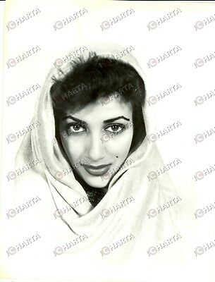 1965 ca USA - EROTICA VINTAGE Attractive woman with a hood *PHOTO