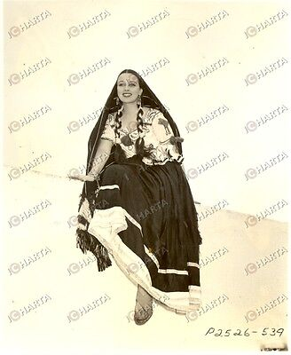 1965 ca USA - EROTICA VINTAGE Smiling woman in a greek costume *PHOTO