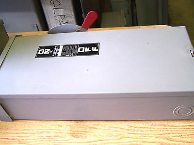 General Electric 100A .. 240V Fusible Safety Switch .1 PHASE  TG3223R ... DS-204