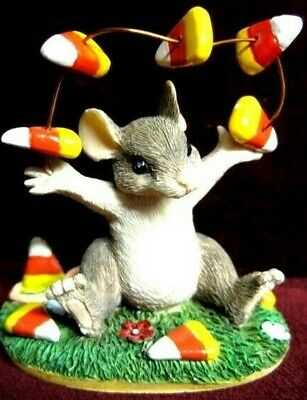 CHARMING TAILS THE FLOAT DRIVER FIG 87587 DEAN GRIFF~skunk NEW FACTORY FRESH