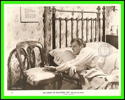 """KENNETH MORE in """"The Sheriff of Fractured Jaw"""" Original Vintage Photo 1958"""
