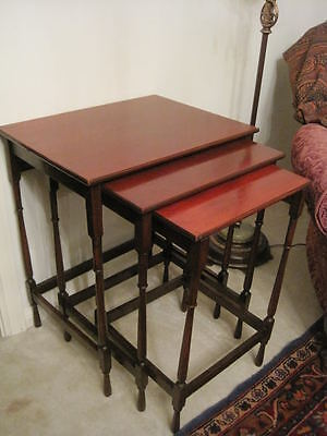 Vintage English Solid Mahogany Set of 3 Nesting Tables Petite Legs Quality Piece