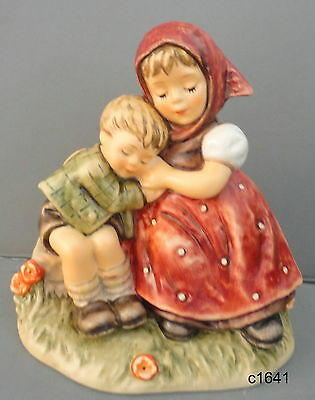M I Hummel FORTY WINKS Children Napping HUM 401 NEW IN BOX $429