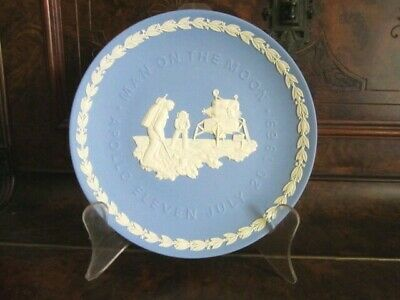 Collectable Wedgwood blue & white jasper Plate – Man on the Moon – Apollo 11