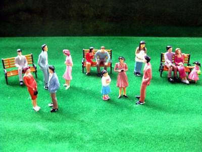 P3014 14pcs Model Trains 1:30 SCALE Figures WITH BENCH