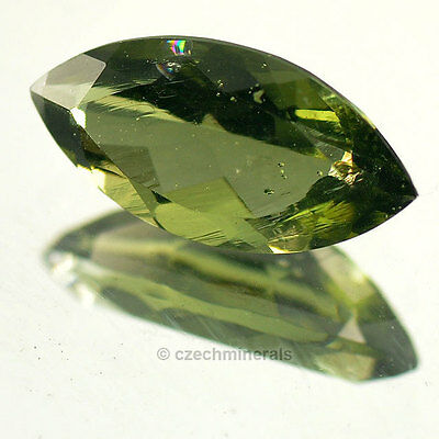 2,25cts maqiuse normal cut 7x14mm moldavite faceted cutted gem BRUS727